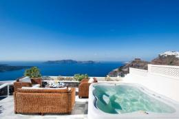 Santorini Luxury Villas | Firostefani | Water Blue Travel Agency
