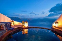 Andronis Luxury Suites Santorini | Oia | Water Blue Travel Agency