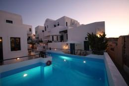 Oias Sunset Hotel Santorini | Oia | Water Blue Travel Agency